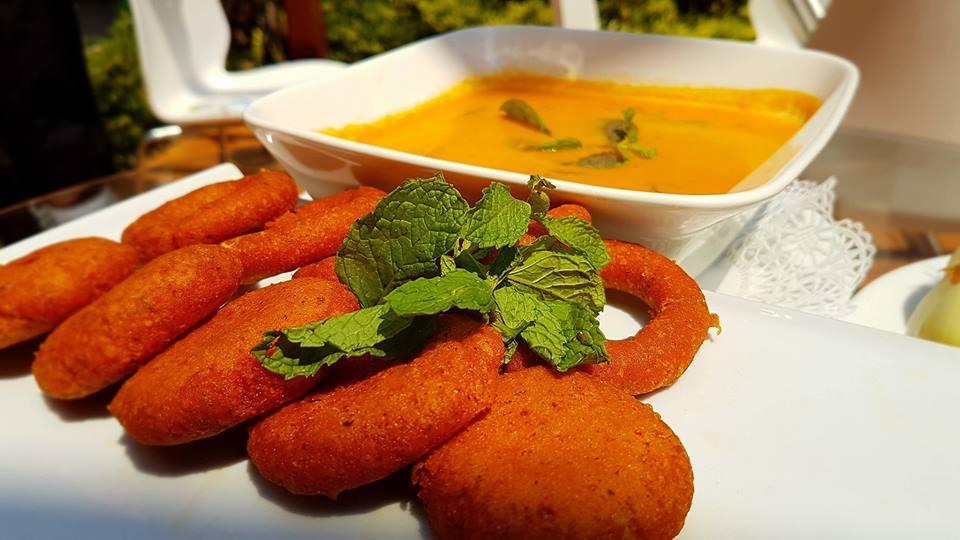 Preparación de la Sopa de Queso de Nicaragua